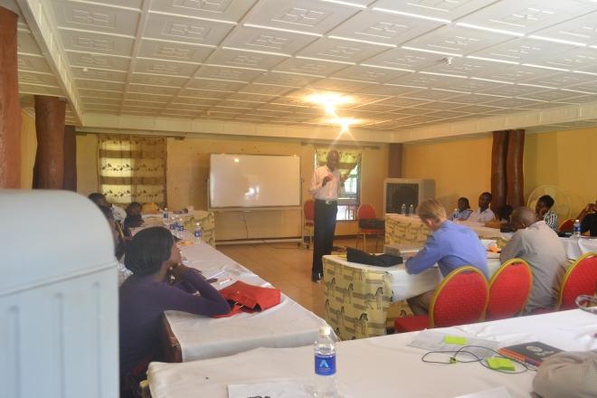 Deltager præsenterer sin idé for Indo Zambia Bank